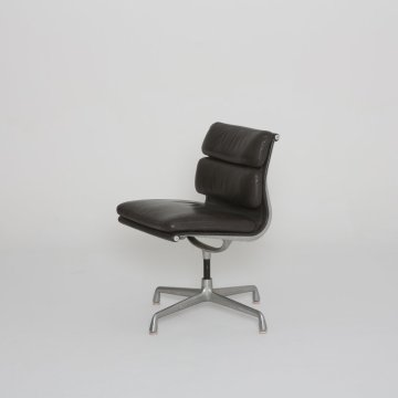 Chaise Ray Eames soft pad 1960 (Herman Miller)